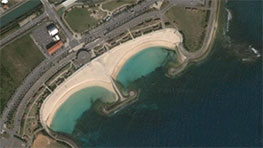 Click on the image to see Kira Kira Beach on Google Earth.